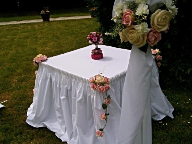 декорация на помощни и ритуални маси